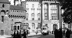Tramwaje pod Barbakanem. 1930.